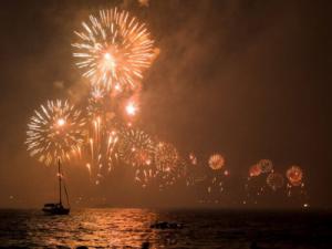NYE Shrimp Drop Amelia Island fireworks over the water